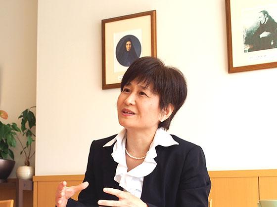 国語科/奥村 夕里子先生