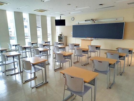 中村中学校 教室