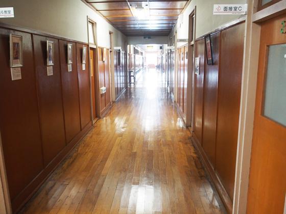 不二聖心女子学院中学校 廊下