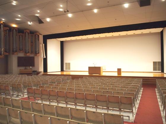 恵泉女学園中学校/フェロシップホール(講堂)