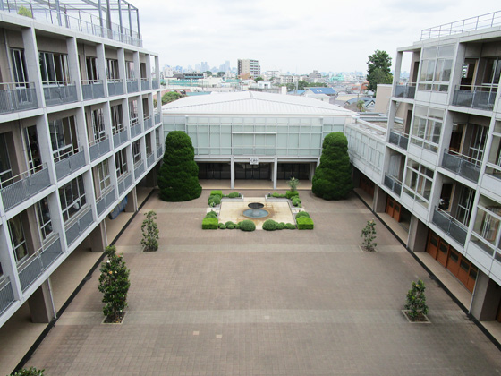 恵泉女学園中学校 校舎