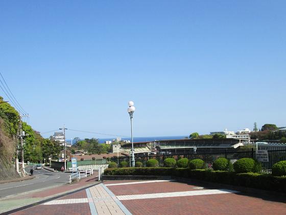 相洋中学校 学校入口からの景観