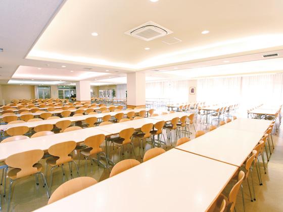 東京女学館中学校 食堂