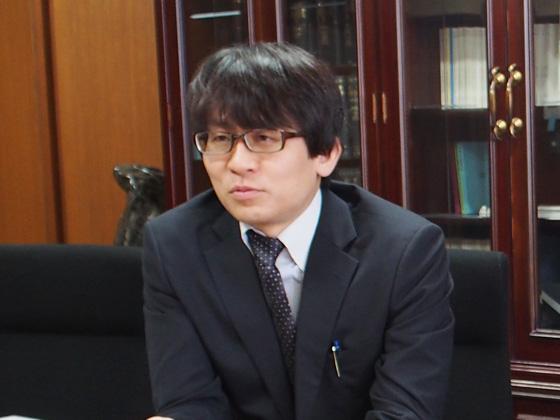 広報室長/鈴木 龍馬先生