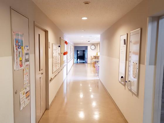 中村中学校 廊下