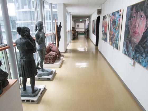 横浜隼人中学校 廊下