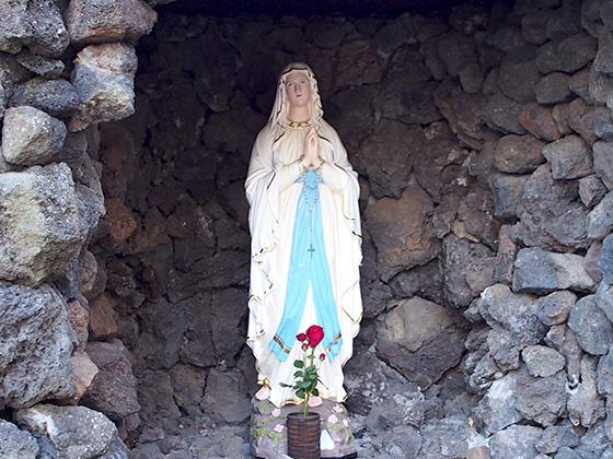雙葉中学校/聖母像