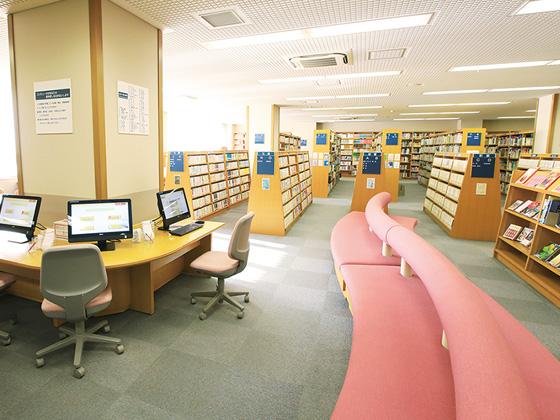 東京女学館中学校 図書館